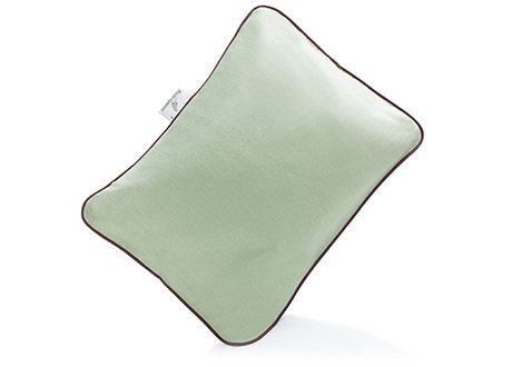 Best for travelling is the rectangular pillow with its buckwheat hull filling